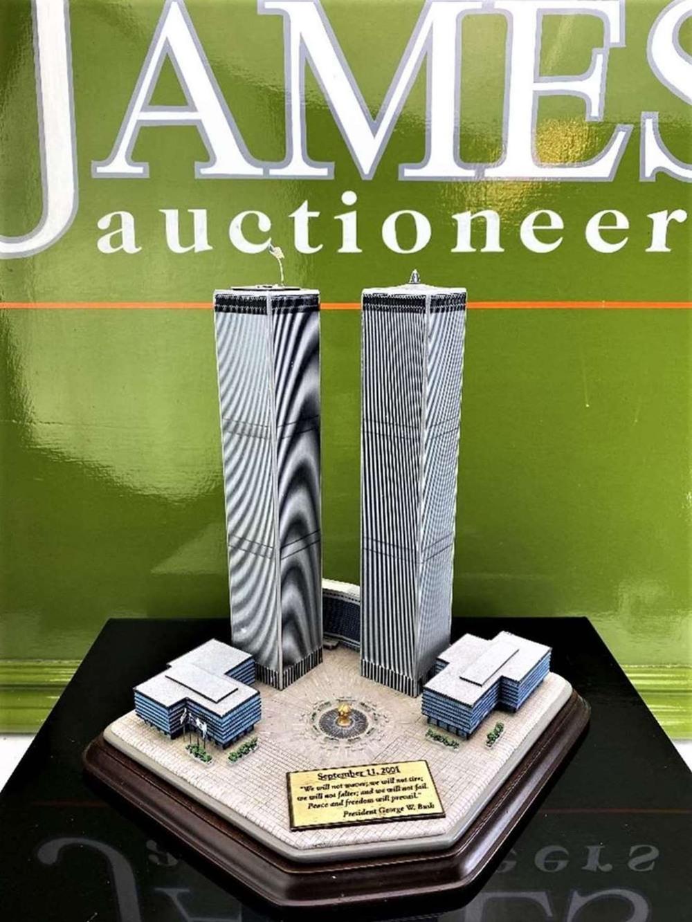 Danbury Mint September 11, 2001 9/11: Twin Towers Historic Desk Top Diarama - Image 6 of 6