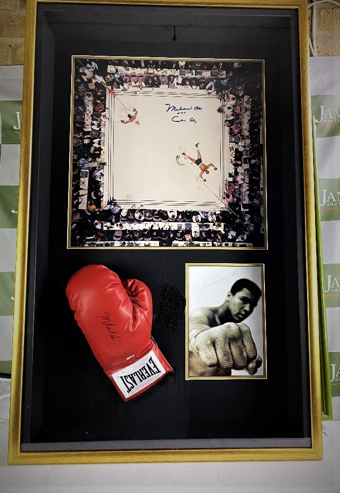 Muhammed Ali Vs Cleveland Williams-Signed 60`s Ring Magazine Photo & Glove Montage - Image 5 of 5