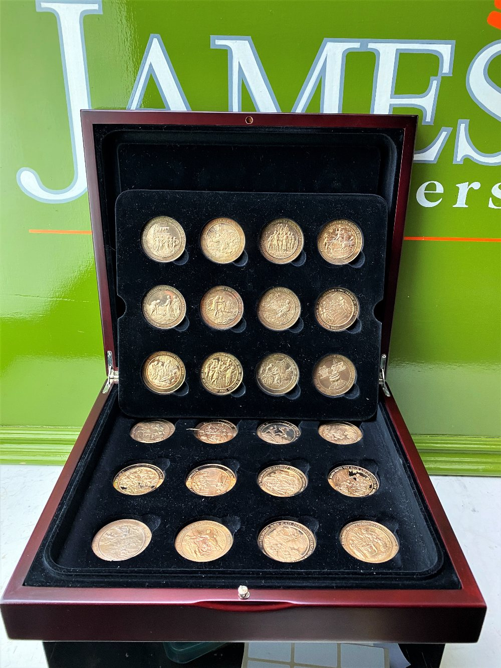 Set Of 24 Bronze Art Medallions Thomason Bible Franklin Mint-Original Case - Image 2 of 5