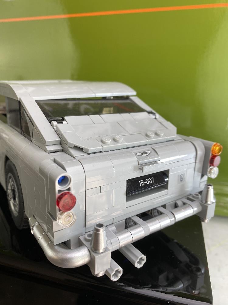James Bond 007 Creator Lego Aston Martin DB5 Ref: 10262 - Image 3 of 6