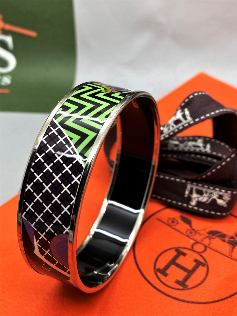 """Hermes """"Horses"""" Wide Late Edition Monogram & Silver Bangle - Image 7 of 7"""