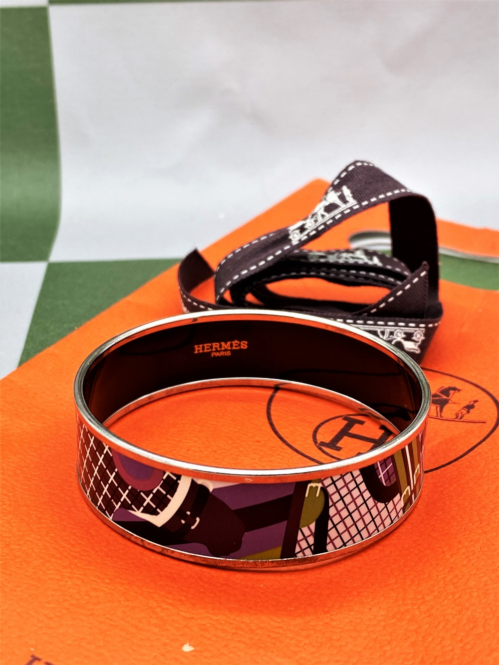 """Hermes """"Horses"""" Wide Late Edition Monogram & Silver Bangle - Image 2 of 7"""