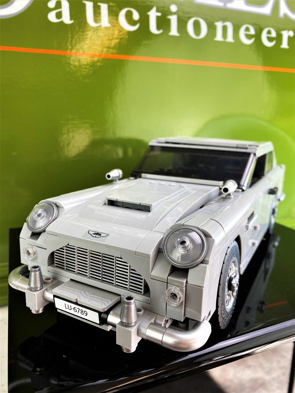 James Bond 007 Creator Lego Aston Martin DB5 Ref: 10262