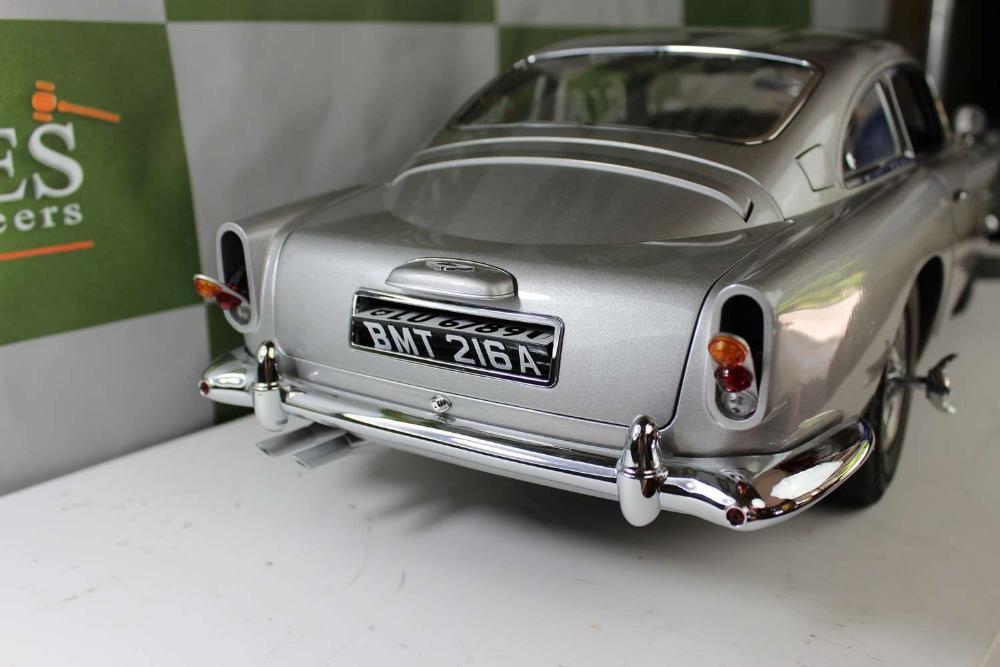 Aston Martin DB5 007 Golfinger Scale Model 1:8.Eaglemoss Hand Built Example & Display Case - Image 11 of 15