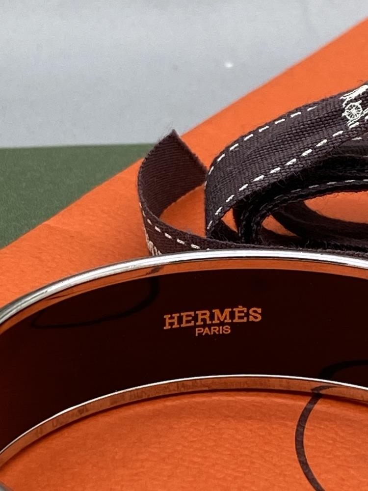 """Hermes """"Horses"""" Wide Late Edition Monogram & Silver Bangle - Image 3 of 7"""