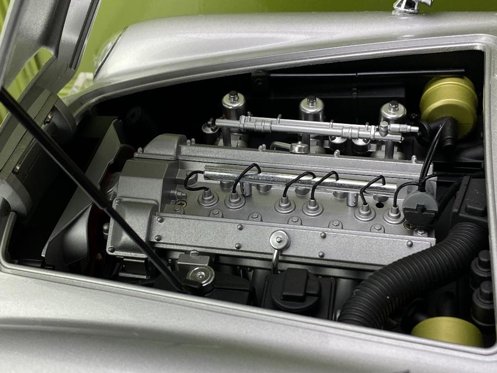 Aston Martin DB5 007 Golfinger Scale Model 1:8.Eaglemoss Hand Built Example & Display Case - Image 15 of 15