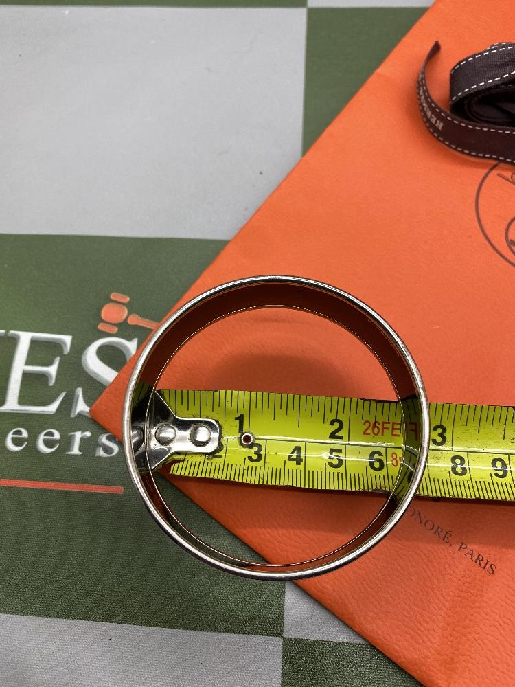 """Hermes """"Horses"""" Wide Late Edition Monogram & Silver Bangle - Image 6 of 7"""