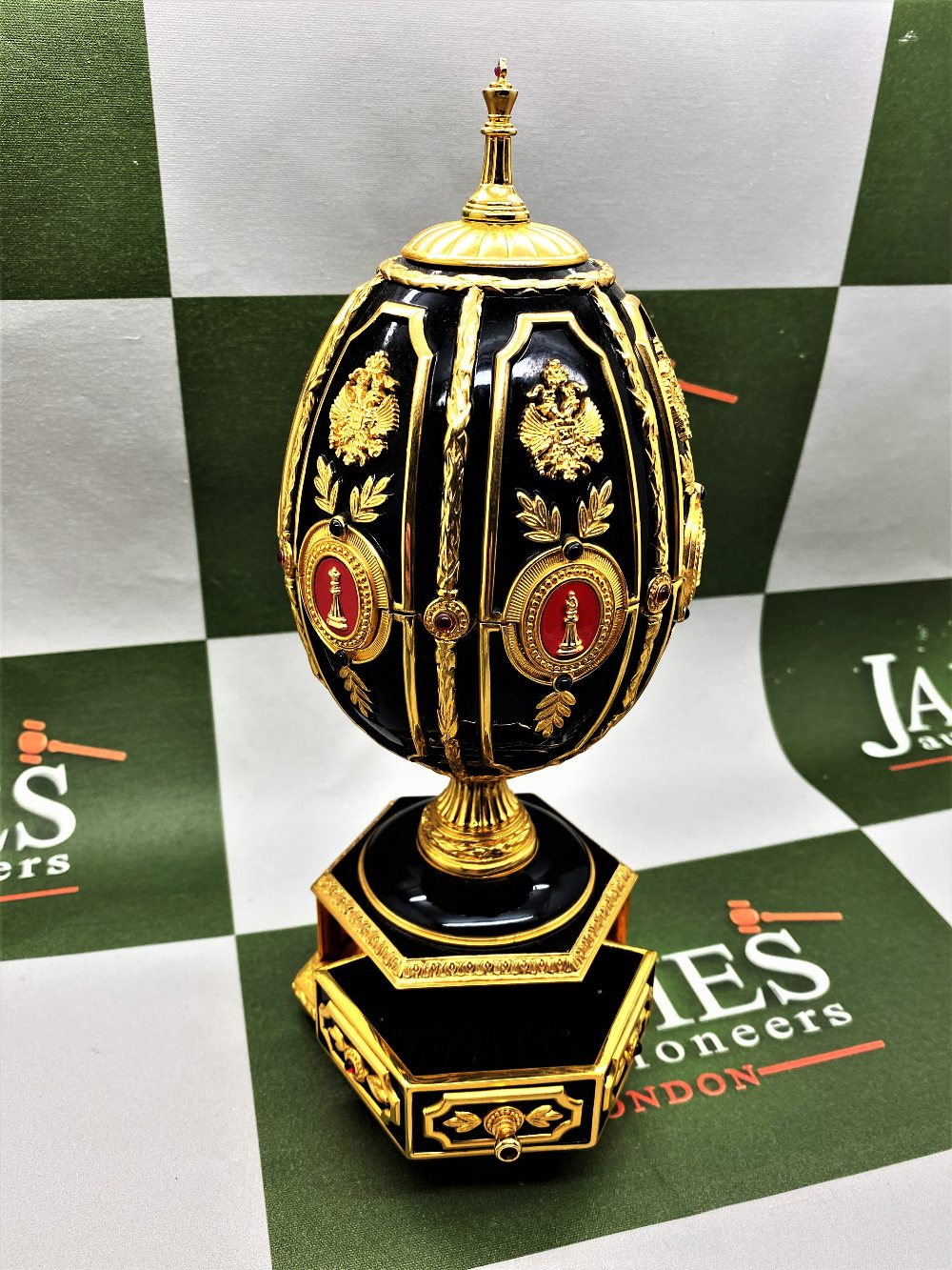 Franklin Mint House of Faberge 24 Carat Gold Imperial Jeweled Egg Chess Set - Image 11 of 11