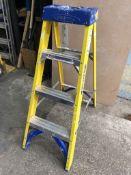 Werner 71604 4 Tread Fibreglass Swingback Step Ladder