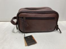 Conka London Thirlmere Classic Washbag | Conker Brown | RRP £48.00