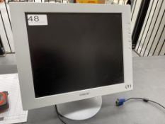 Sony SDM-S71R StylePro LCD Computer Monitor w/ VGA Cable