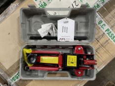 2 Tonne Hydraulic Floor Jack in Case