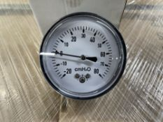 1,800 x 61CAPEVO CMH2O Pressure Gauges | 36 x Boxes of 50