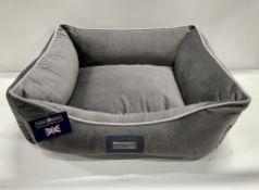 Hugo & Hudson M Suede Pet Bed - Grey - RRP£59.99