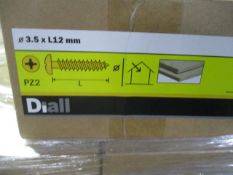 100 x Boxes Brand New Screws | B&Q Stock | See photographs and description