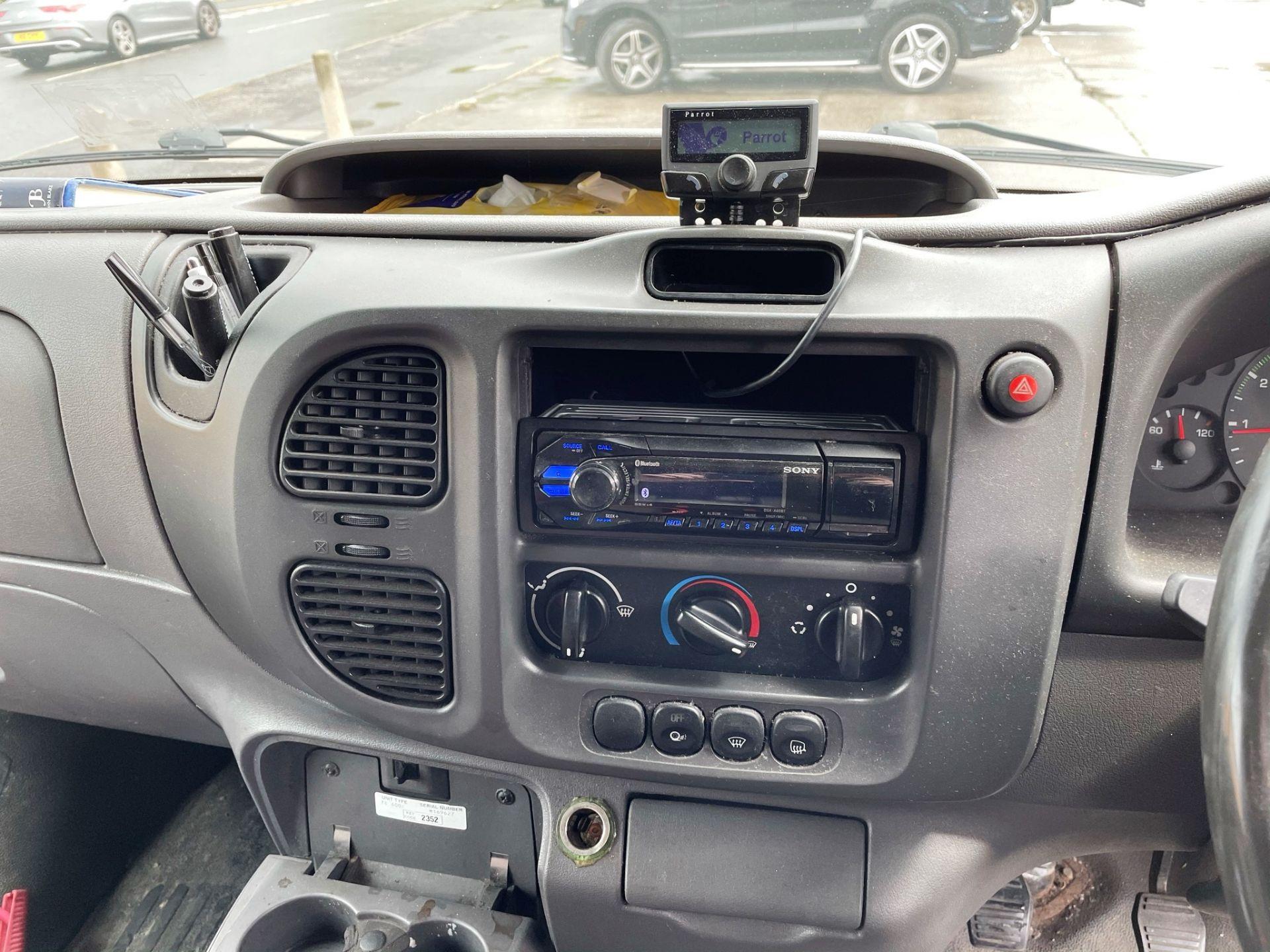 Ford Transit 350 LWB Panel Van   05 Plate  168,443 Miles - Image 20 of 22