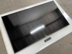 "Samsung UE65RU7020K HDR Smart 4K 65"" Television w/ Remote Control"