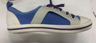 Pair Of CCILU White/Purple Plimsolls *DAMAGED BOX* | UK 2.5