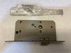 4 x Upright Latch Cases   60mm Case