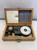 Venture Tachometer Set in Case