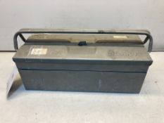 Gigant Metal Tool Box W/ Various Compartments
