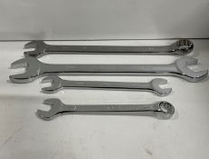 Box of assorted spanners | See description for more information