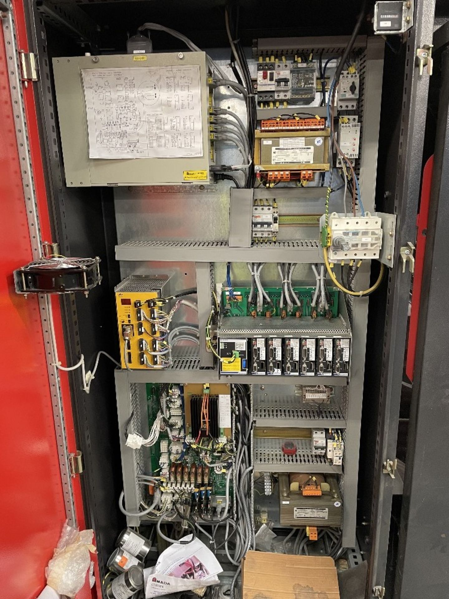 Amada Promecam HFE 100-3 Pressbrake w/ Tooling   YOM: 2003 - Image 15 of 17