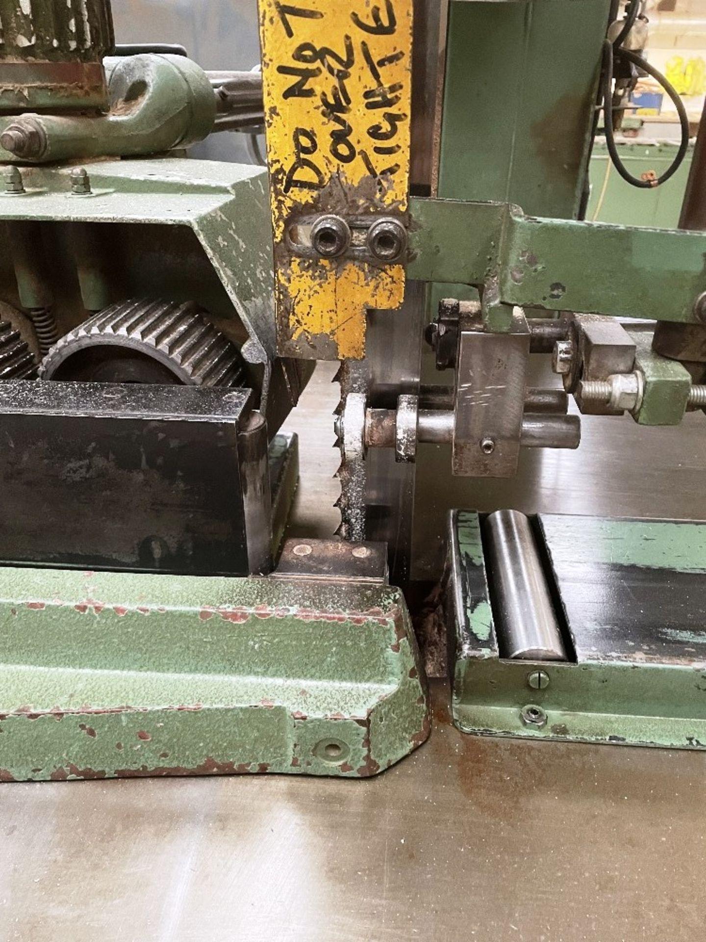 Wadkin Bursgreen Vertical Bandsaw w/ Power Feed - Image 4 of 9