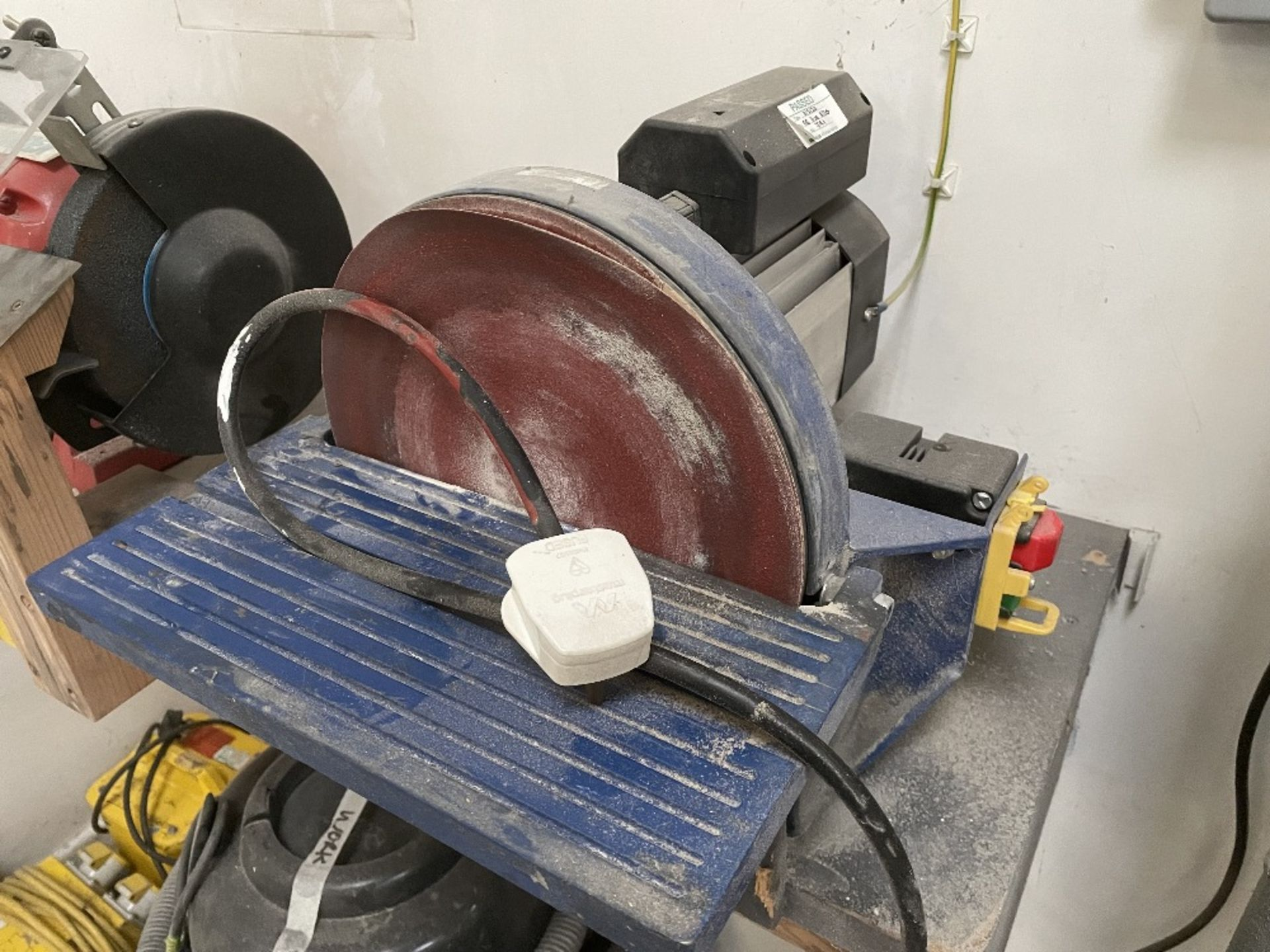 Bench Disc Sander 250mm w/ Spare Sanding Discs - Image 2 of 4