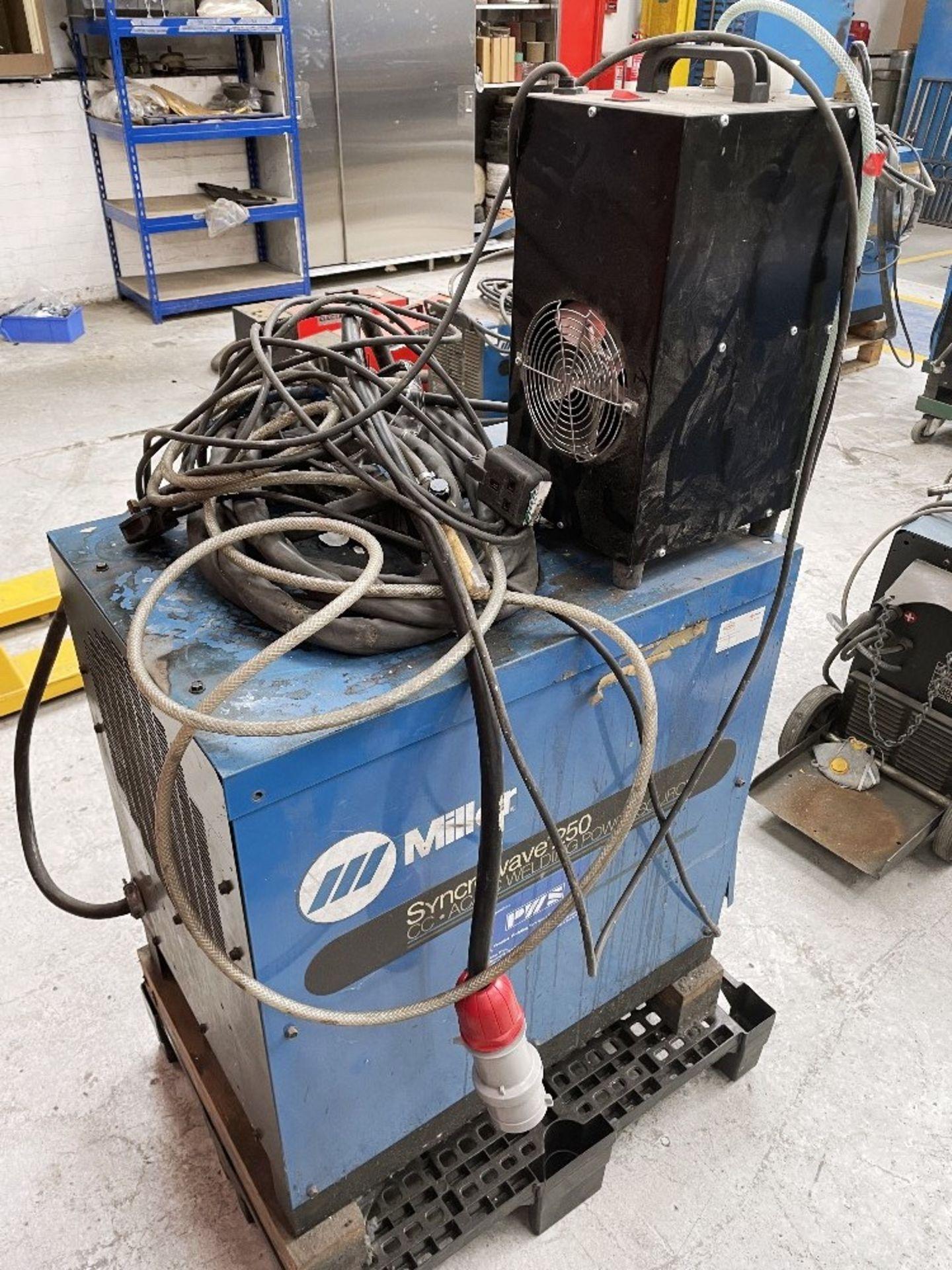 Miller Syncrowave 250 Tig Welder w/ TecArc XC1000 Water Cooler - Image 5 of 5