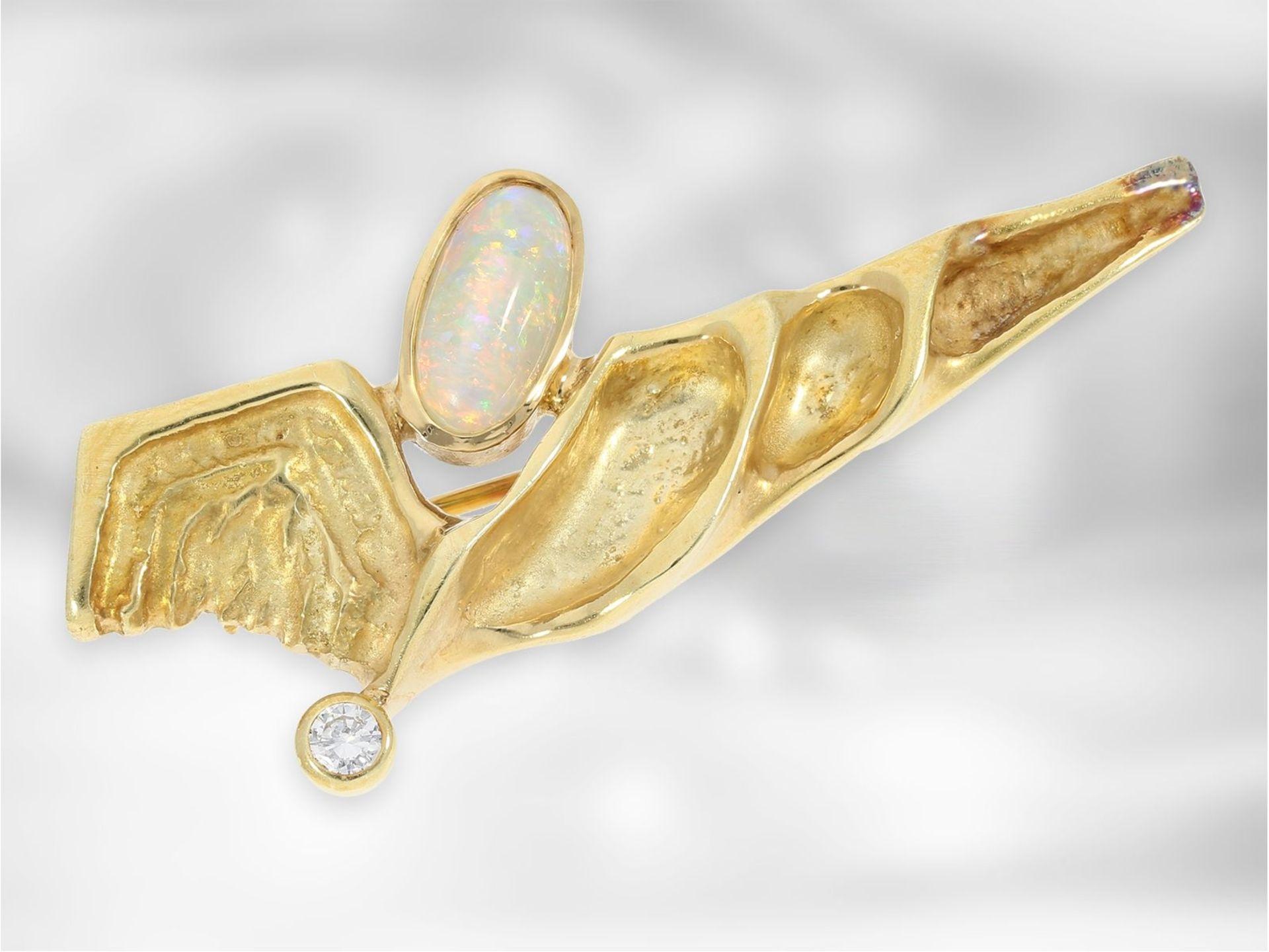 Brosche/Nadel: schwere Goldschmiedebrosche im Lapponiastil, mit Opal und Brillant, 14K Gold<