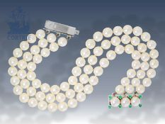Armband: 3-reihiges Akoya-Zuchtperlenarmband mit dekorativer WeißgoldschließeCa. 19,