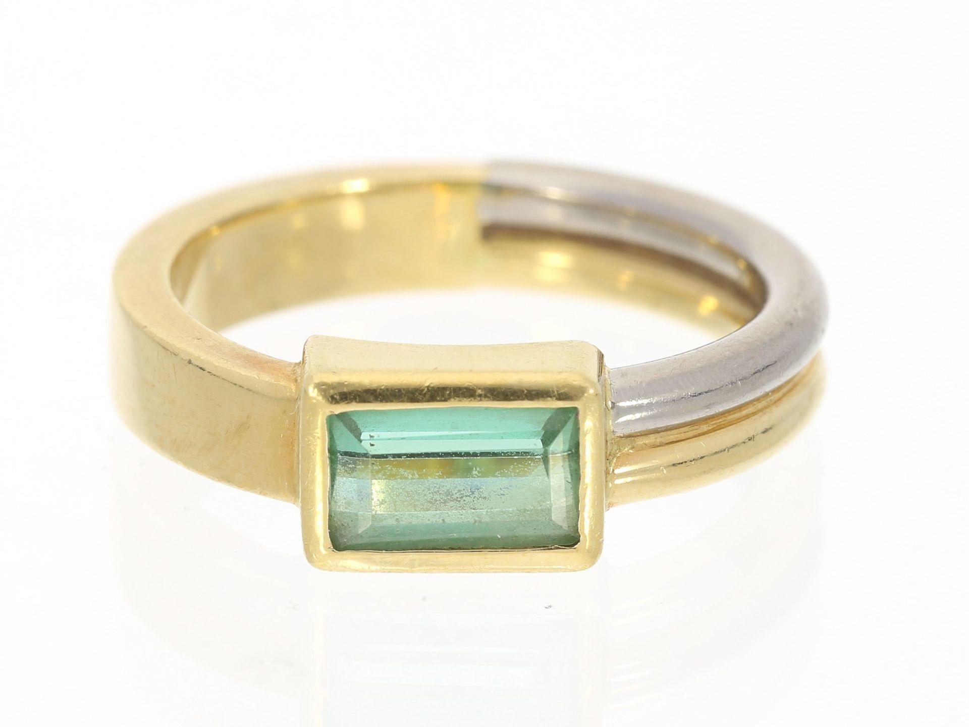 Ring: interessanter und solide gefertigter Turmalin-Goldschmiedering, 18K Gold, geschätzter Gol