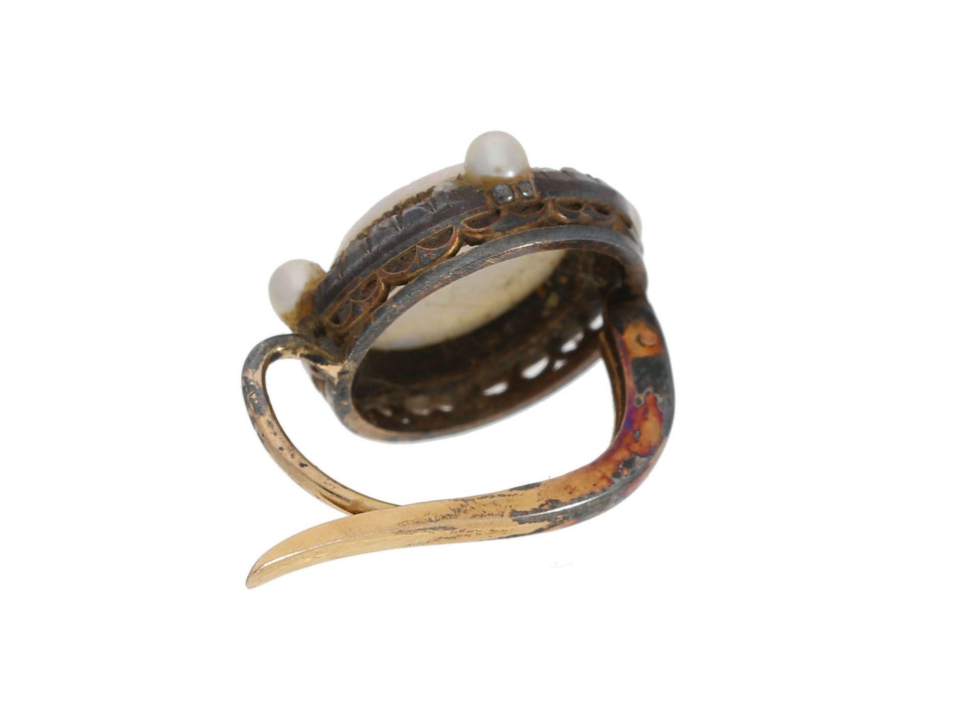 Ohrschmuck: einzelner antiker Ohrschmuck mit Steinkamee, Perlen und Diamantrosen, 19. Jahrhunder - Bild 2 aus 2