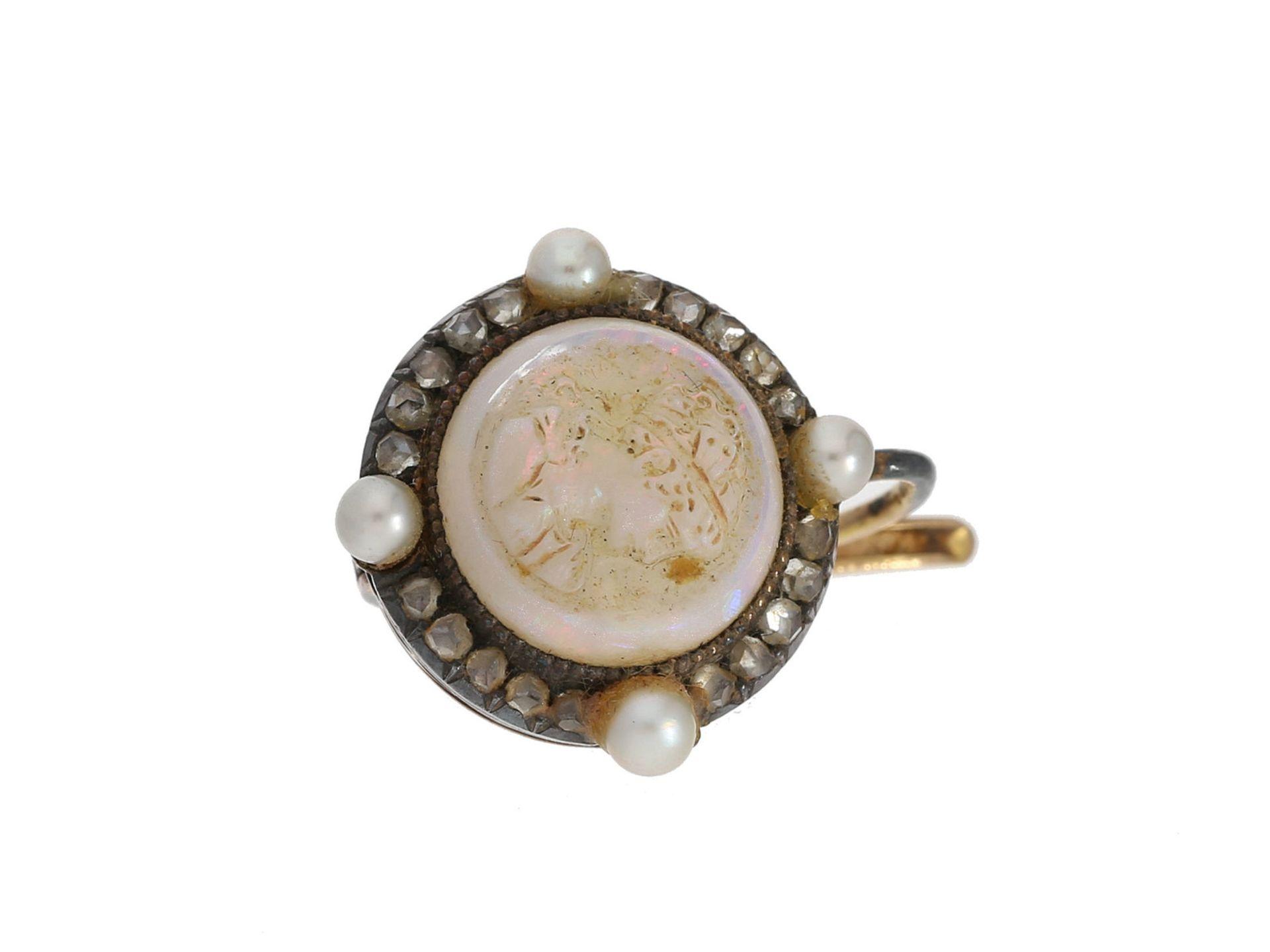 Ohrschmuck: einzelner antiker Ohrschmuck mit Steinkamee, Perlen und Diamantrosen, 19. Jahrhunder