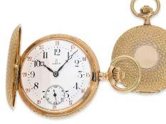 Taschenuhr: nahezu neuwertig erhaltene Omega Goldsavonnette mit besonderer Gehäusedekoration, No.