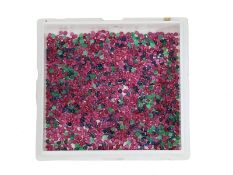 Edelsteine: großes Konvolut aus kleinen blauen, roten und grünen Farbsteinen, zusammen ca. 46,1ct: