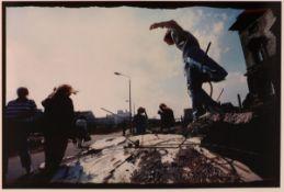 """Jochen Knobloch1941 Dresden - lebt in Hamburg - """"10. Juni 1990. Mitte, Zimmerstraße"""" (aus de"""