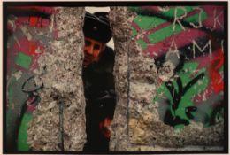 """Jochen Knobloch1941 Dresden - lebt in Hamburg - """"24. Dezember 1989. Mitte, Kochstraße"""" (aus"""
