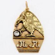 Anhänger mit Adler und Diamant Russland, um 1914. 585/- Gelbgold, gestemp. Gewicht: 12,1 g.