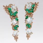 Paar Aquamarin-Ohrhänger mit Smaragden und Brillanten 585/- Weißgold und Roségold, gestemp