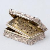 Riechdose Birmingham/England, um 1852/53. 925er Silber. Punzen: Herst.-Marke, Stadt- und Fein
