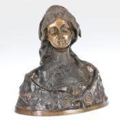 Blanc Künstler des frühen 20. Jahrhunderts - Junge Frau in Tracht - Bronze. Braun patiniert