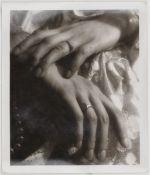 Will Burgdorf 1905 Hannover - 1944 Weißrussland - Damenhände mit Ringen - Vintage Silbergel