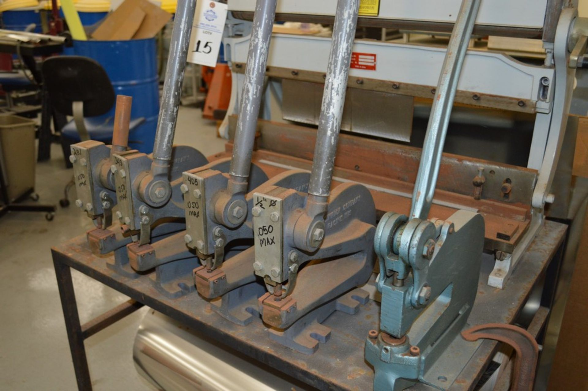 1995 Combined Manual Shear and Break black metal stand, metal rolls, (4 Each) Henrich/Pexto Model- - Image 4 of 8