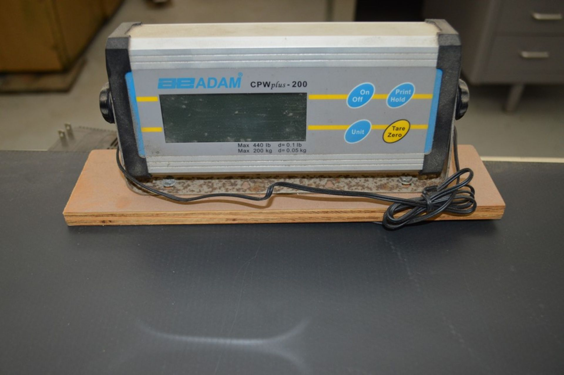 35 1/4 x 23 1/4 440 lb scale with digital read out, Adam equipment 2001 control - Image 2 of 4