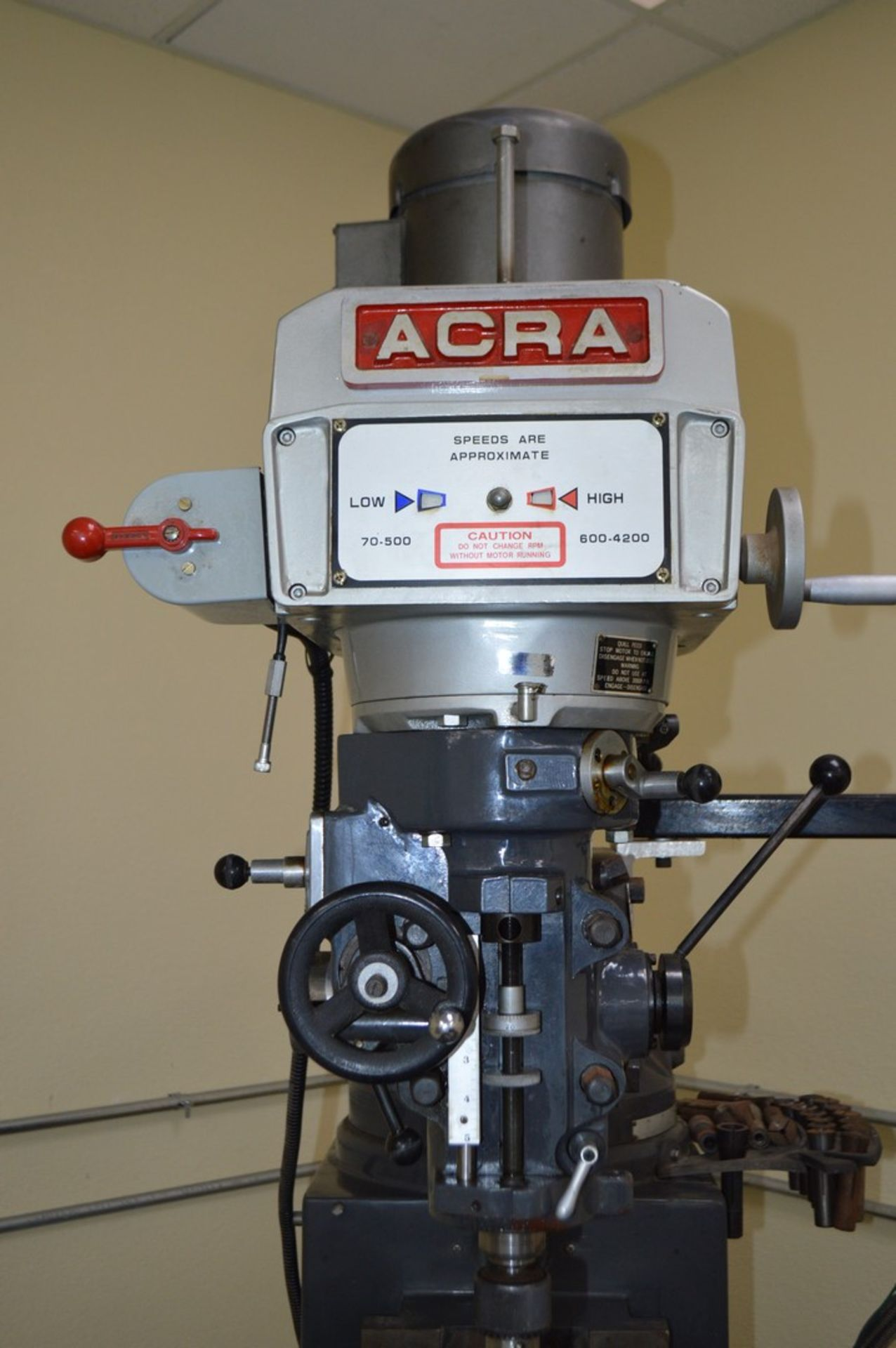 Acer 3 Axis knee mill, tilting head, 2 speed, sony magnescale DRO, Milling setup set, table - Image 2 of 10