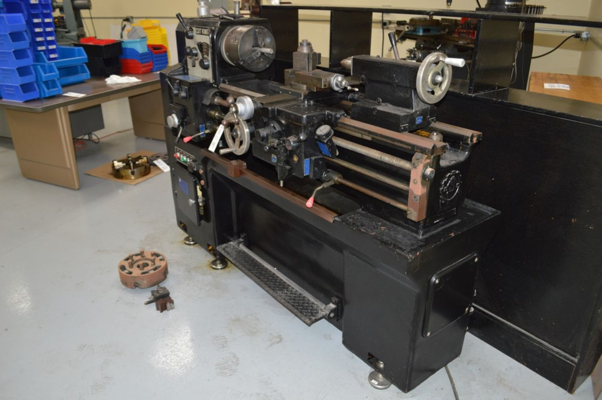 """1979 Cut King, 8"""" chuck, 40"""" bed, TS, Model 850G, Aloris tool post, coolant, tooling and 10"""" chuck - Image 8 of 8"""