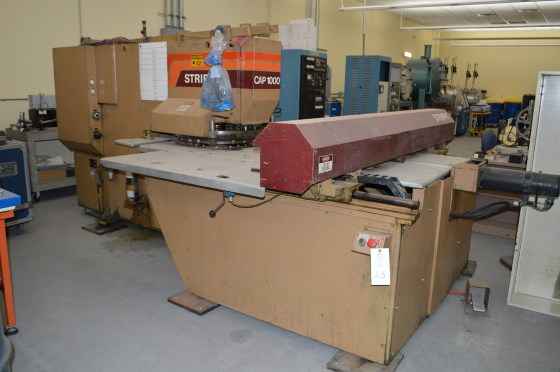 1985 Del Arco Strippit 1000 lbs punch, with auxilliary transfer table, 20 stations, blue 4 leg - Image 3 of 15
