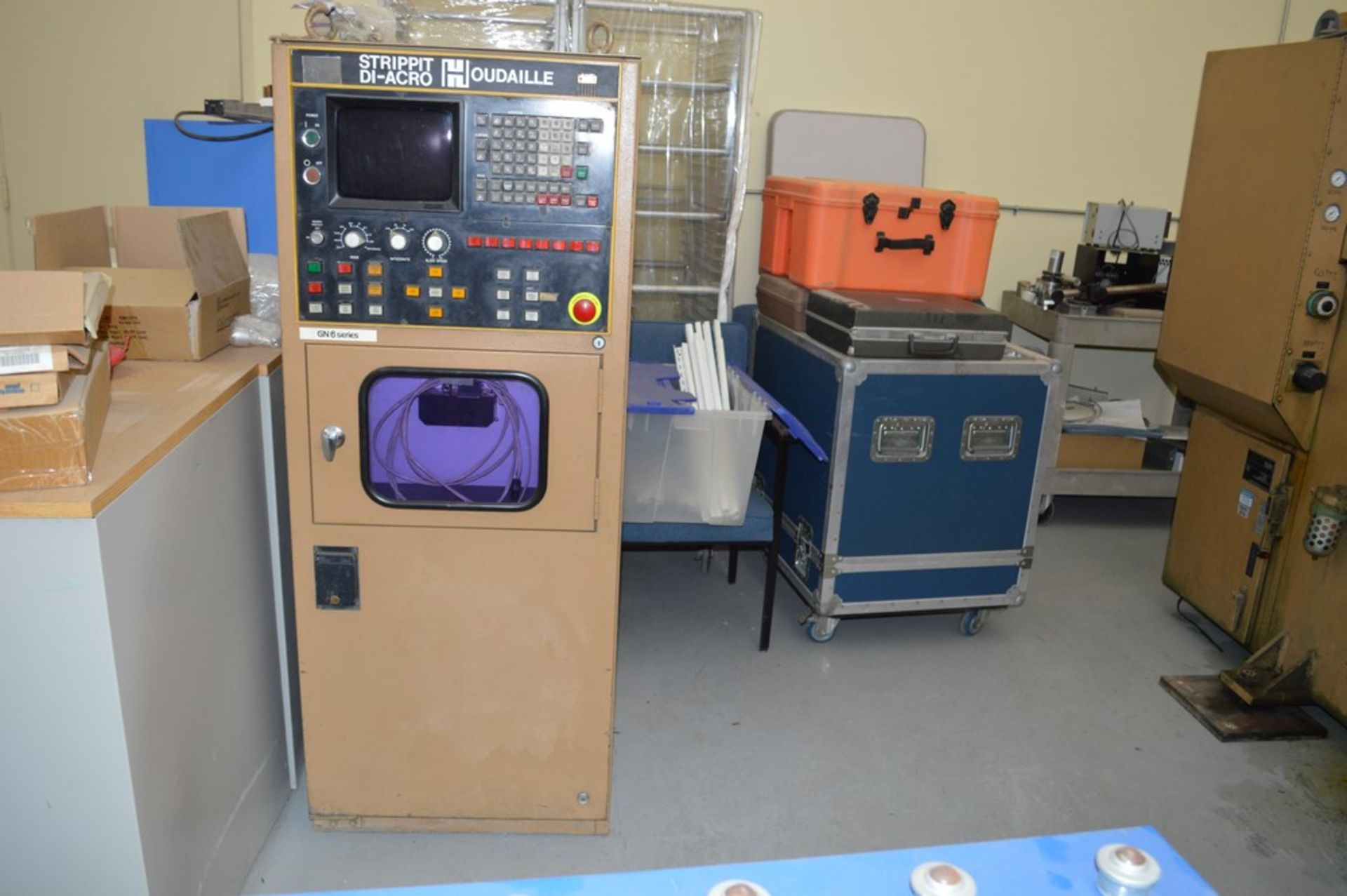 1985 Del Arco Strippit 1000 lbs punch, with auxilliary transfer table, 20 stations, blue 4 leg - Image 14 of 15